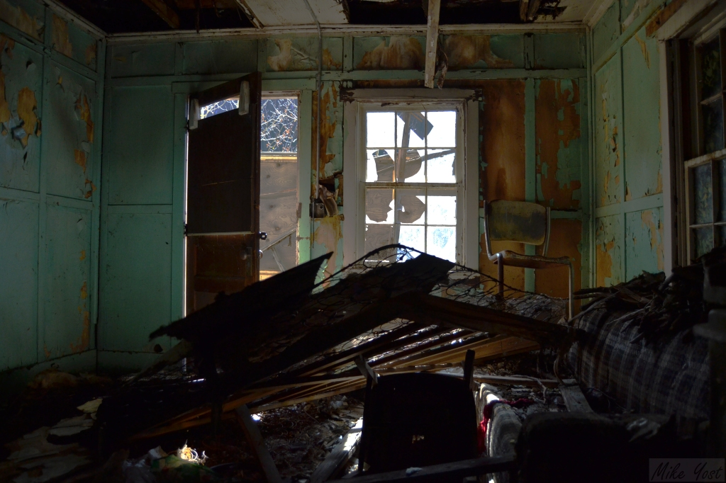 Tolland Abandoned Home - living room